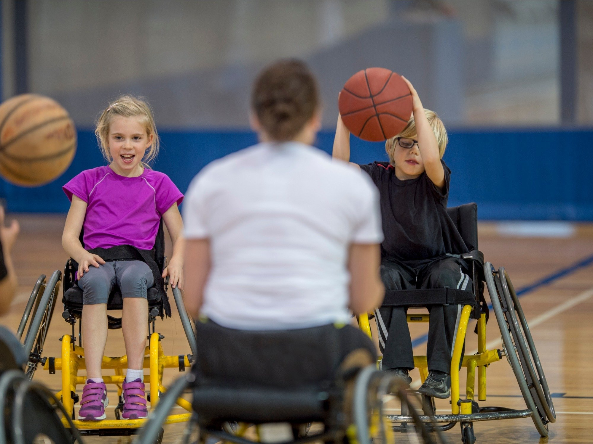 https://www.agedcareguide.com.au/assets/news/articles/handicap-people-dribbling-a-basketball-picture-id497895006.jpg